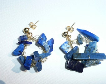 Organic Sea. Random gold and lapislazuli earrings.