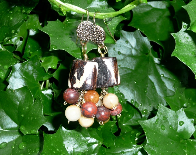 Ghana. Ethnic earrings featuring 2 bone beads, and a cascade of jasper, and agathe beads.