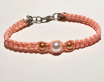 LittleGirl BPnk20. Cute silk coral macrame bracelet with pearls.