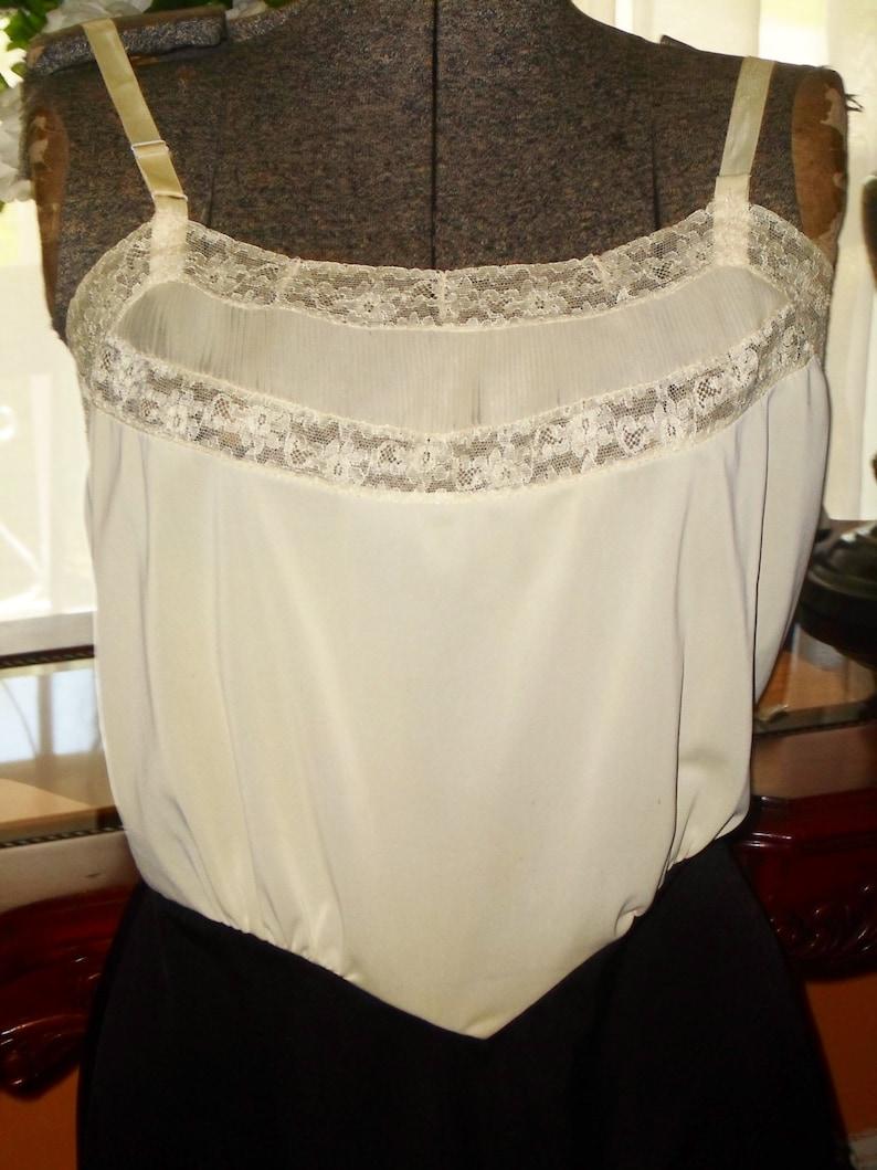 Vintage Nylon Full Slip sz 36  dual tone Nylon Sans Souci Vintage lingerie