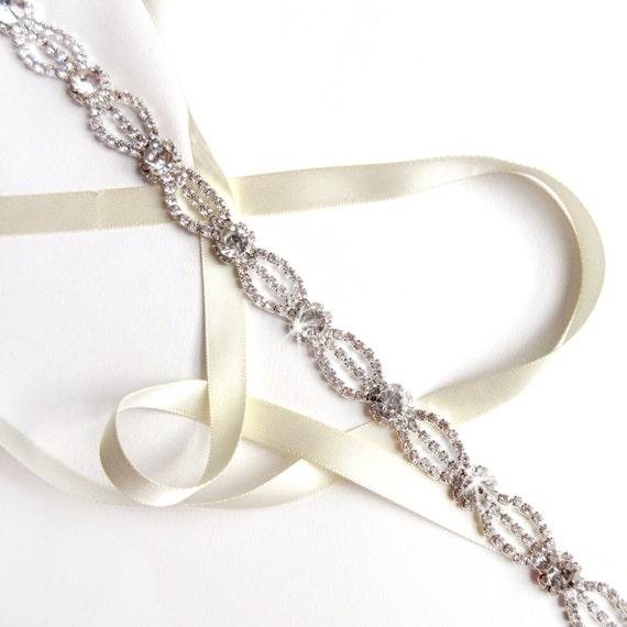 c49a7ecc6e54 Sash strass éthérée ruban ceinture de robe de mariée   Etsy