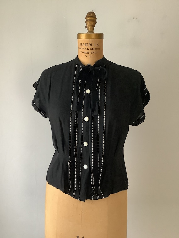 Vintage 1940s Black and White Rayon Women's Blouse