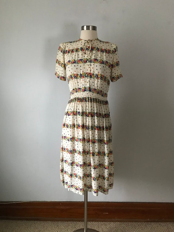 Vintage 1930s Floral Rayon Women's Day Dress