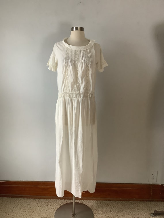 Vintage Early 1920s White Cotton and Lace Day Dres