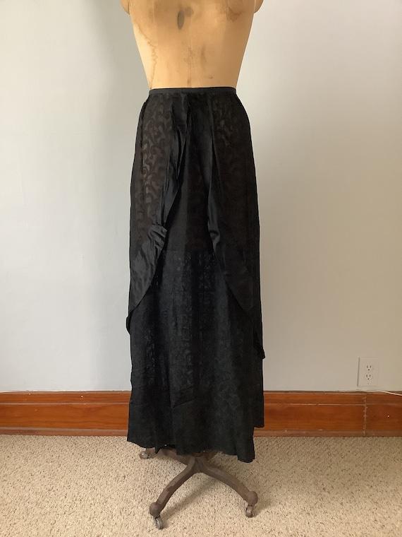 Antique Victorian 1890s Black Swirl Print Skirt