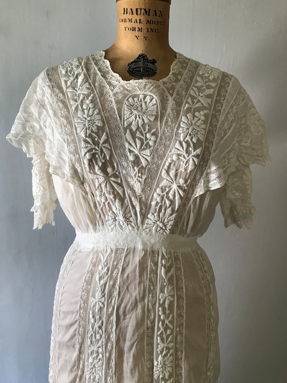 Antique 1900s Edwardian Women's White Embroidered… - image 3