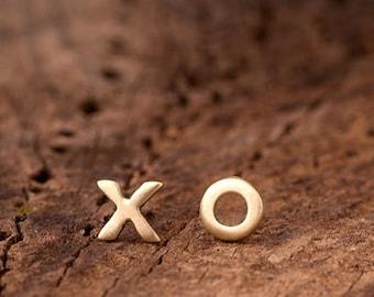 Solid gold earrings XO Studs Initial Earring Hugs and Kisses Valentine Earrings Rose gold XO white gold Wife Girl friend
