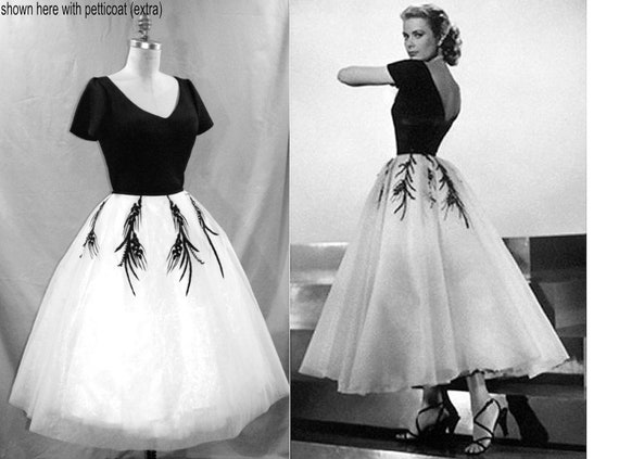PLUS Size 1950s Grace Kelly Dress... from Rear Window... Gorgeous  Reproduction with Full Tulle Layered Skirt...