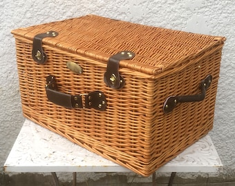 Vintage Wicker Suitcase / Picnic Basket, Wicker Trunk, Faux Leather Handle, Green Plaid Interior, Accessories for Four
