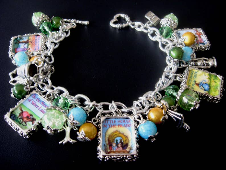 Little House Bracelet Laura Ingalls Wilder 10 Picture Double-Sided Bracelet Book Bracelet Literary Jewelry Little House Jewelry