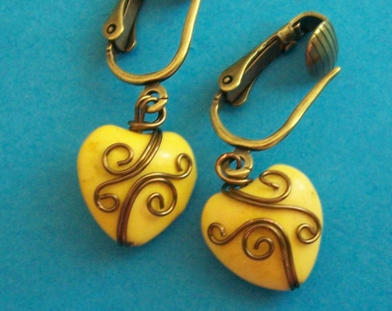 Non Pierced Earrings Unique Wire Wrapped Yellow Ceramic Heart Clip-on Dangles Present Ideas for Women Girlfriend Wife Daughter Mother in Law