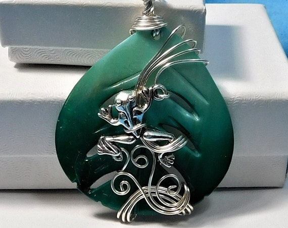 Unique Wire Wrapped Frog on a Leaf Necklace, Animal Lover Jewelry, Artisan Crafted Pendant, Artistic, One of a Kind Handmade Wearable Art