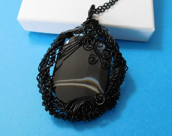 Large Woven Wire Wrapped Black Onyx Necklace, Artisan Crafted Gemstone Jewelry, Unique Pendant Anniversary. Birthday Present Ideas for Women