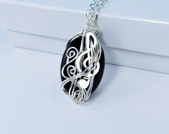 Unique Wire Wrapped Treble Clef Necklace, Jewelry for Music Teacher, Musical Staff Onyx Pendant Present for Musician Pianist or Piano Player