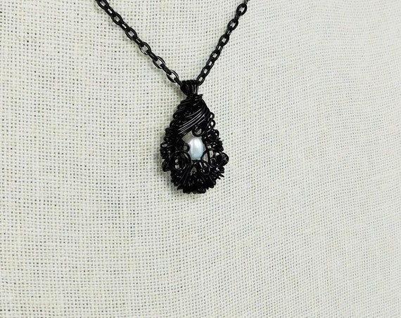 Genuine Freshwater Pearl Pendant June Birthstone Gemstone Jewelry for Anniversary Gift Handcrafted Woven Wire Wrapped Pearl Necklace