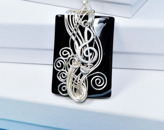 Treble Clef Necklace, Black Onyx Pendant Gift for Musician, Music Teacher of Piano, Orchestra or Band, Musical Staff Pendant Present for Her