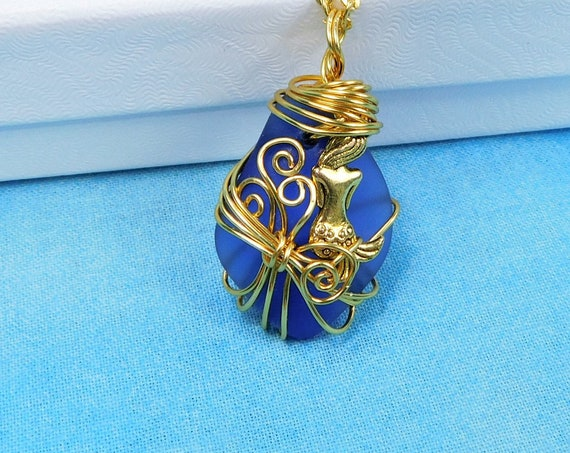 Mermaid Sea Glass Necklace, Artisan Crafted Blue Beach Theme Jewelry, Artistic Handmade Ocean Glass Mermaid Pendant for Best Friend Gift