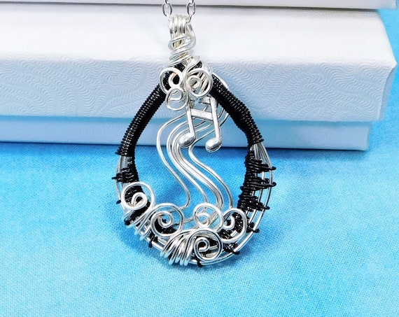 Woven Wire Music Note Necklace, Artisan Crafted Musician Pendant, Artistic Musical Theme Wearable Art Jewelry Gift for Music Teacher Present