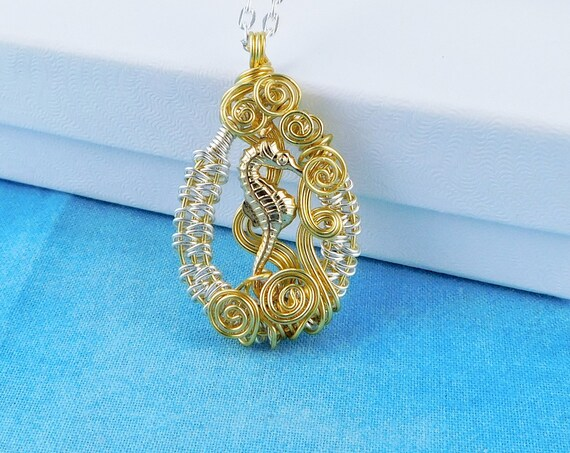 Artistic Seahorse Necklace, Wire Wrapped Ocean Theme Pendant, Wearable Art Beach Jewelry for Seaside Vacation, One of a Kind Gift for Women
