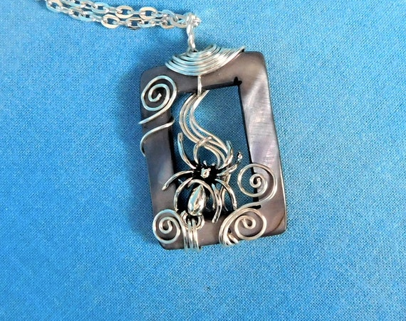 Artisan Crafted Spider Necklace, Artistic Halloween Theme Pendant, Handmade Gothic Jewelry, Wire Wrapped Wearable Art Present Idea for Women