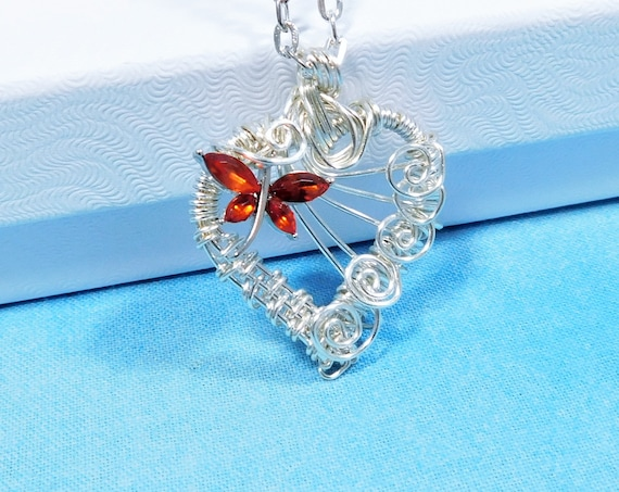 Artisan Crafted Dragonfly Heart Pendant, Unique Wearable Art Jewelry for Bereavement Present, Artistic Memorial Necklace for Sympathy Gift