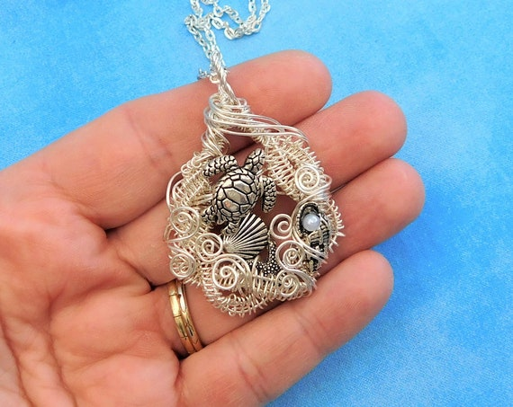 Artistic Sea Turtle Necklace, Woven Wire Wrapped Ocean Wildlife Theme Pendant, Beach Lover Wearable Art Jewelry Sea Animal Lover Gift