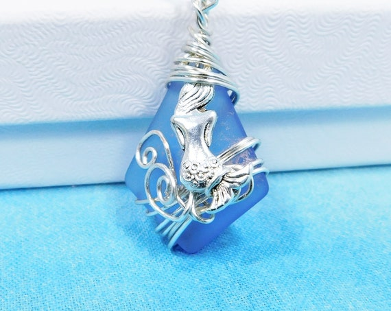 Unique Wire Wrapped Mermaid Sea Glass Necklace, Artisan Crafted Blue Beach Theme Jewelry, Artistic Ocean Theme Pendant for Best Friend Gift