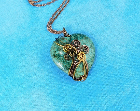 Large Wire Wrapped Gemstone Heart Pendant, Artisan Crafted Green Stone Necklace, Wearable Art Jewelry Present for Mother's Day Gift for Mom