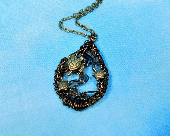 Woven Copper Sea Turtle Necklace, Artistic Wire Wrapped Sea Turtle with Babies Pendant, Ocean Beach Marine Life Theme Wearable Art Jewelry