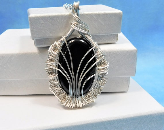 Black Onyx Necklace for Girlfriend Mom Gift Artisan Crafted Unique Artistic Wire Wrapped Gemstone Pendant Handmade Present Ideas for Women