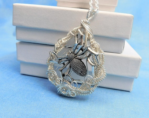 Woven Wire Wrapped Spider Pendant, Unique Arachnid Theme Goth Jewelry, Halloween Necklace or Cosplay Accessories Birthday Present for Women