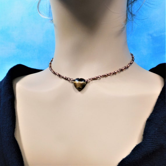 18 Inch Collarbone Length Tiger Eye Heart Necklace, Gemstone Jewelry Wearable Birthday Present or Anniversary Gift for Wife or Girlfriend