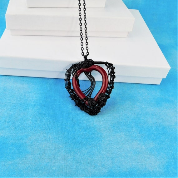 Artistic Romantic Black Heart Necklace, Large Woven Wire Wrapped Red Heart Pendant, Romantic Wearable Art Jewelry Anniversary Gift for Wife