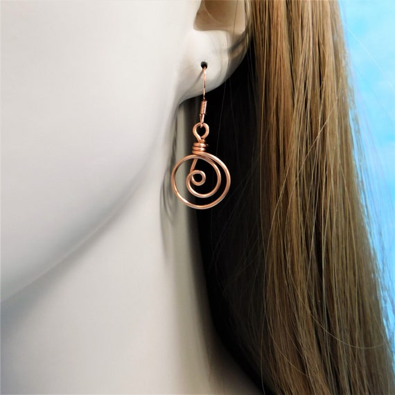 Round Natural Copper Earrings 7th Anniversary Gift for Wife, Nickle Free Artistic Wire Jewelry, Spiral Coil Earrings for Pierced Ears