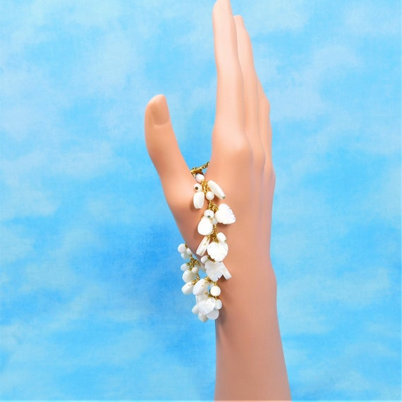 White Leafy Beaded Mother of Pearl Bracelet in Gold Tone, Wire Wrapped Jewelry Present for Wife or Girlfriend, Gift for Mom from Daughter