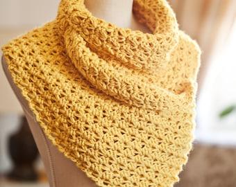 Crochet PATTERN - Buttoned cowl