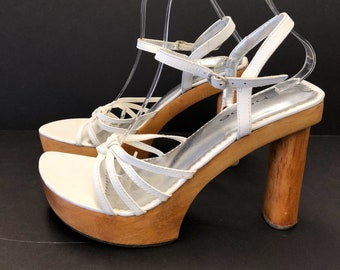 94f4307165c6 Vintage 90 s Bebe Wood Platform Heel Sandals White Leather Size 8.5 Open  Toe Ankle Strap