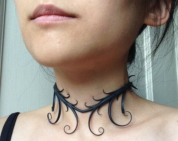 Symmetrical Choker Necklace