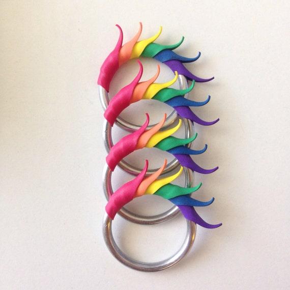 Rainbow Short Multiplume Ring