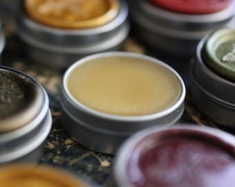 Vespertina Solid Natural Perfume in Round Tin - A fragrant floral poesy. Botanical perfume alchemy and magic.