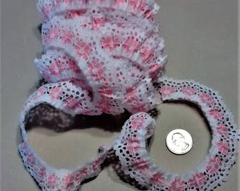 LR-152 White and Pink Lace