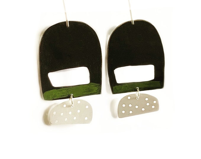 Kokeshi black and green