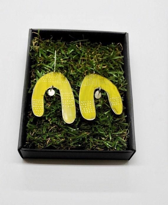 Njure Yellow