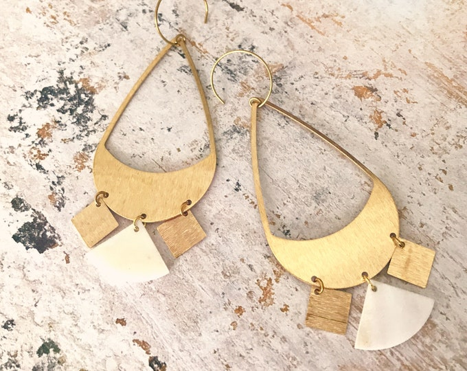 Dangle earrings, Statement earrings, Modern earrings, Golden jewelry, Boho chic earrings, Brass earrings, Modern jewelry, Big earrings