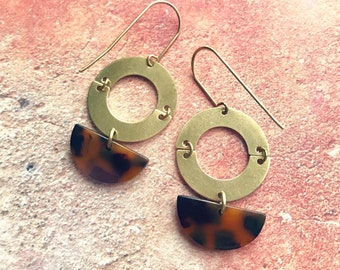 Dangle earrings, Trendy earrings, Modern earrings, Drop earrings, Golden jewelry, Tortoise shell earrings, Earrings, Free shipping