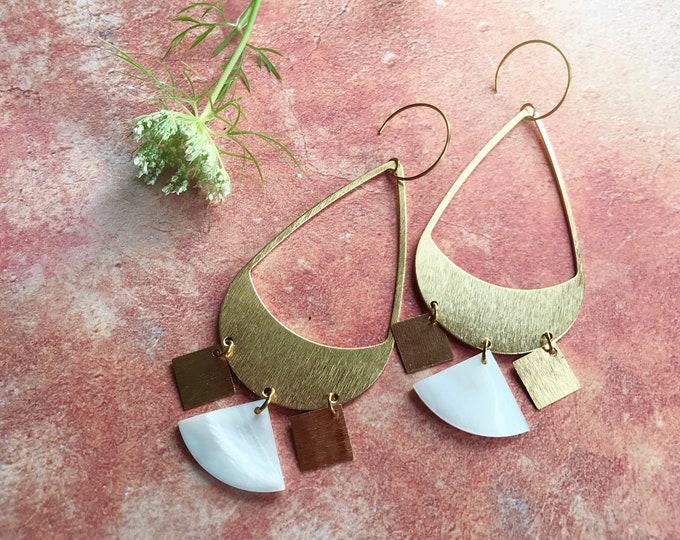 Dangle earrings, Statement earrings, Modern earrings, Golden jewelry, Boho chic earrings, Brass earrings, Modern jewelry, Big earrings