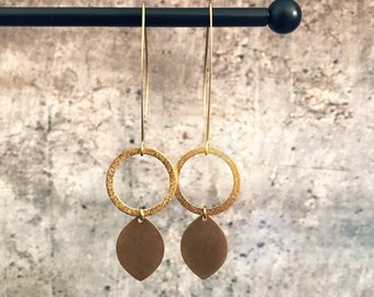 Dangle earrings, Trendy earrings, Modern earrings, Golden jewelry, Elegant earrings, Brass earrings, Modern jewelry, Minimalist earrings