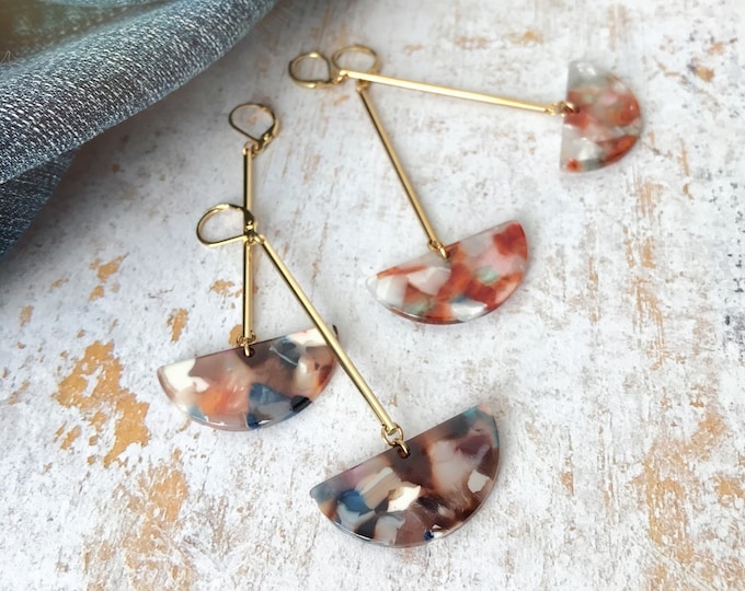 Dangle earrings, Trendy earrings, Modern earrings, Drop earrings, Long earrings, Tortoise shell earrings, Geometric earrings, Modern jewelry