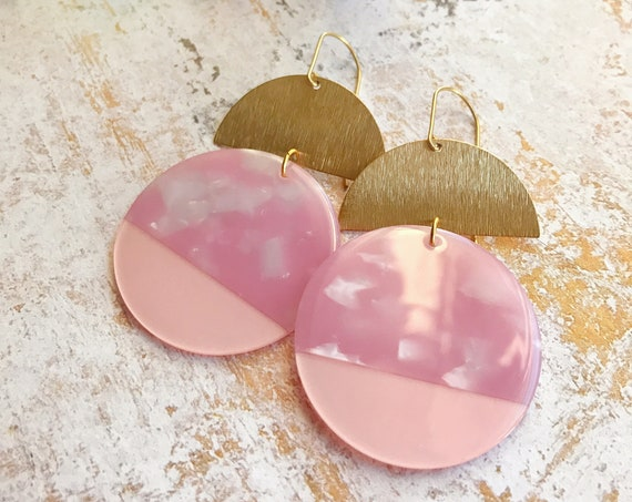 Dangle earrings, Geometric earrings, Modern earrings, Big earrings, Pink earrings, Tortoise shell earrings, Powder pink earrings, Pastel