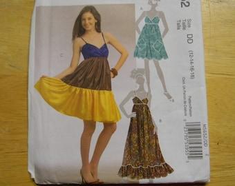 cedbba4899 Uncut McCall s Pattern 5652 Size 12-18 Darling Dresses
